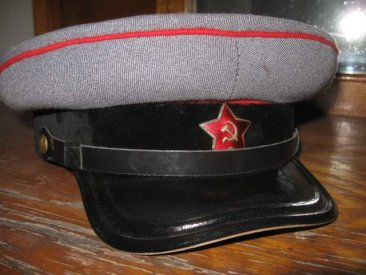 Pre-war parade tankman commander visor hat